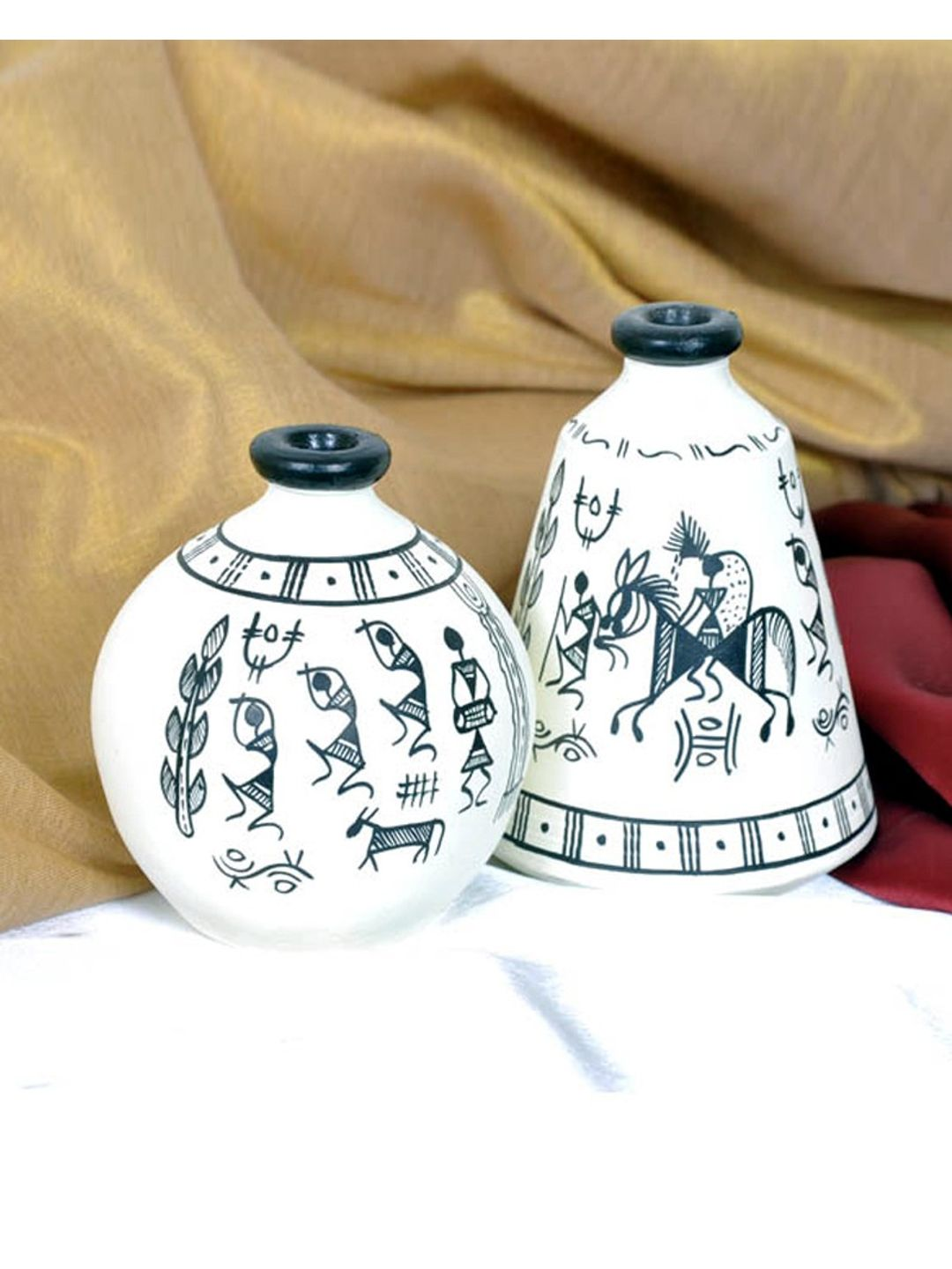 Handpainted White Tribal  terracotta Pots Set