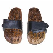 Wooden Foot Massage Slipper