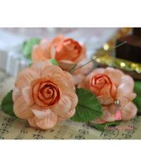 Big Roses - Soft Orange