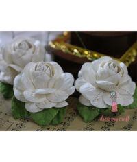Big Roses - Ivory