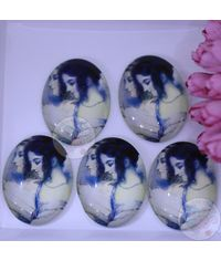 Oval Glass Cabochon - Lady Faces