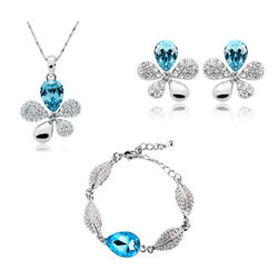 Beautiful Silver Blue Floral Shaped Pendant Set with Earrings and Bracelet