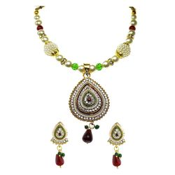 YouBella Glorious Pearl Kundan Necklace Set