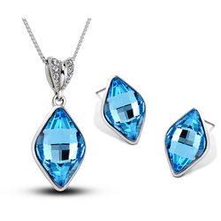 Contemporary Diamond Shaped Blue Crsytal Pendant Set