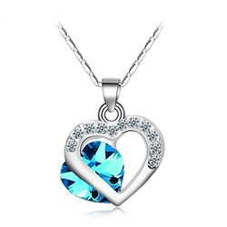 A La Mode Prussian Blue Crystal Corazon Pendant