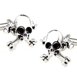 SKULL-N-CROSSBONE CUFFLINKS IN CHROME FINISH