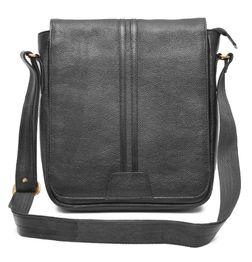 TRENDY BLACK LEATHER SLING BAG
