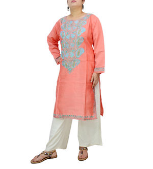 Kashmiri Silk Peach Color Embroidered Kurta