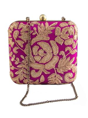 Purple roses clutch