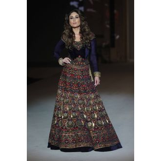 Kareena Kapoor Purple Embroidered Heavy Lehngha