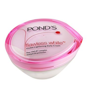 Ponds Flawless White Visible Lightening Daily Cream, 50g