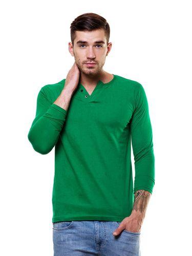 Wide V-neck henley tshirt