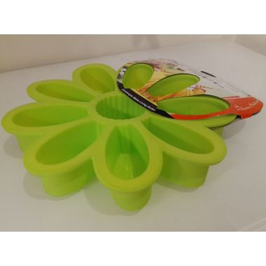 Sunflower shaped silicon muffin mould
