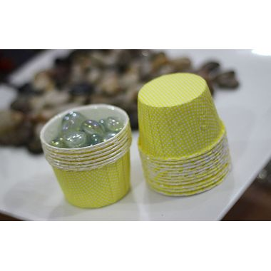 Yellow base with white polka dots curl edge cup cake liner - Medium