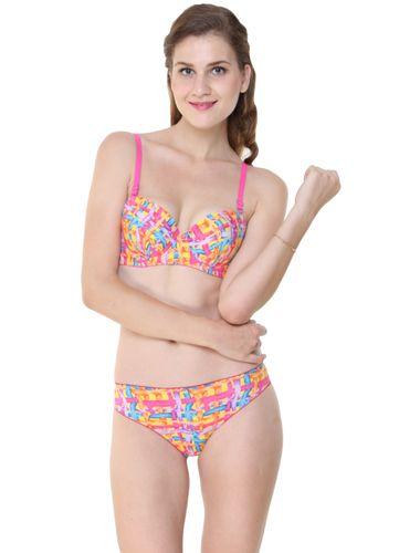 Glus Cross Weave /Love Trap Underwire Bra & Bikini Cut Panty Set, Color Magenta