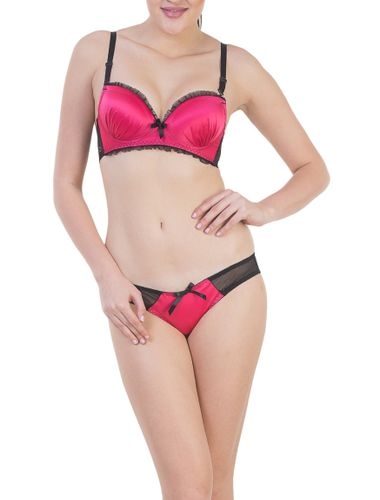 Glus Magenta Satin Luxury Padded Push Up Wire Free Bra & Bikini Cut Panty Set