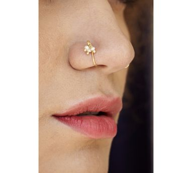 Benaazir|Whisical Pearl Gold Nose Pin/Clip