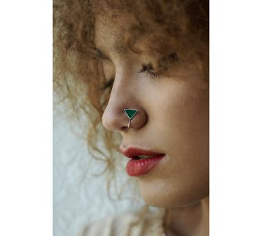 Benaazir|Green Triangular Nose Pin/Clip