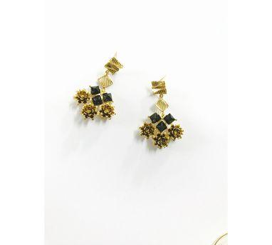 Itrana Zircon Earrings