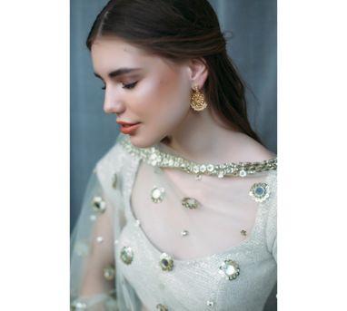 Zariin Gold Blossom Earring