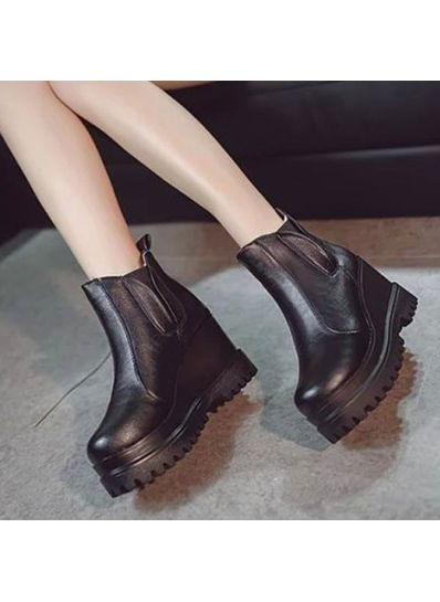 Patent Leather Solid Boots - KP001494