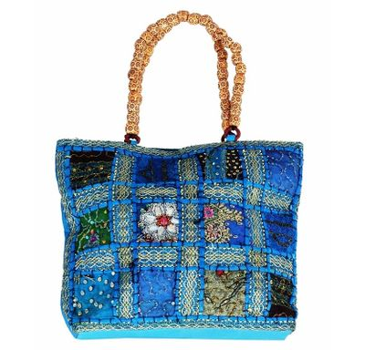 Kundan Pearl hand bag with wooden beads