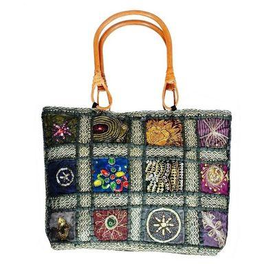 Kundan Pearl hand bag with wood handle