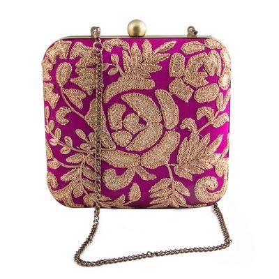 Purple roses clutch