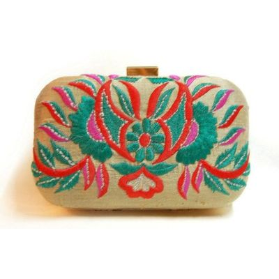 Beige bug clutch