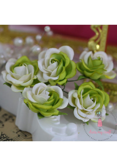 Curved Roses 35 MM - Off White & Green Combo