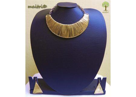 Contemporary Light Choker Necklace Set - Gold EAJ5