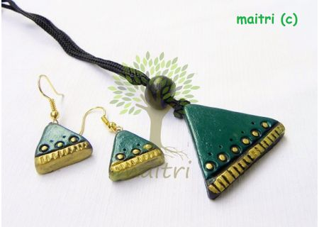 0Terracotta Jewelry - Terracotta Pendant TP-B129