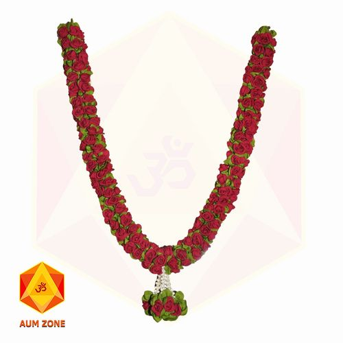 Red roses with green leaf Garland With bunch