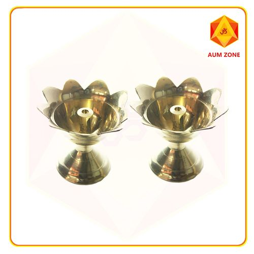 Lotus diya with centered wick 3 inches