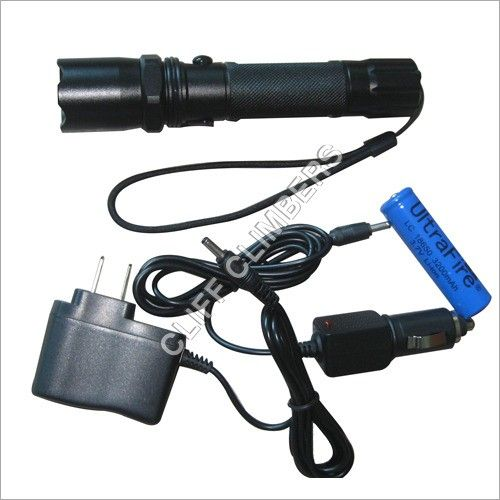TACTICAL RECHARGEABLE TORCH