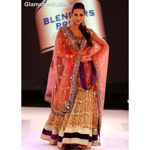 Malaika arora khan vikram phadnis designer lehenga
