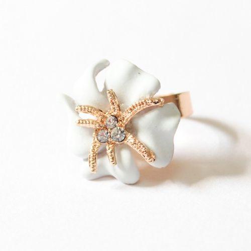 Starfish in flower ring