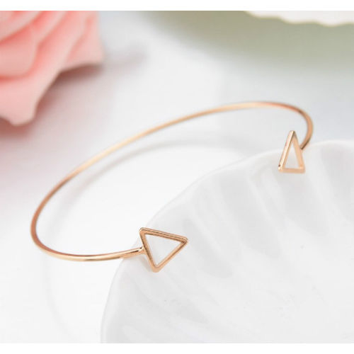Triangle edge bracelet