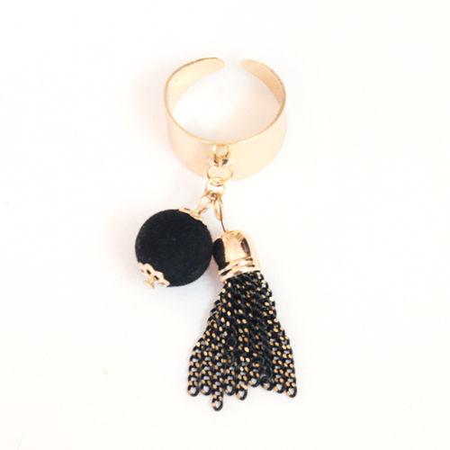 Black tassel ring