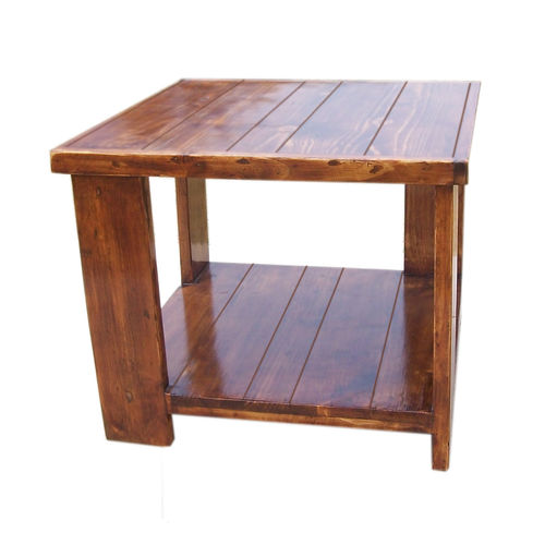 uByld Prima - a square table