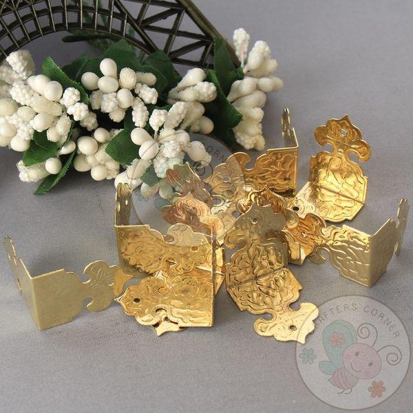 Antique Decorative Corner - Golden