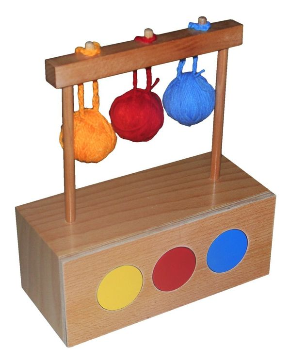 Imbucare box with 3 coloured knit balls