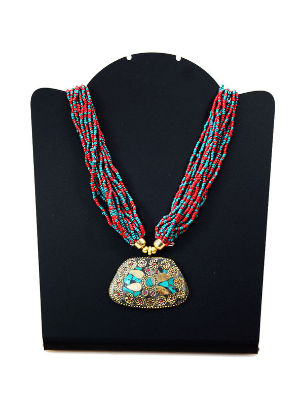 Maroon Pearled Ethnic Necklace With Aged Pendant