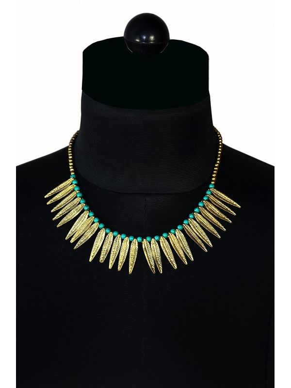 Classy blue coloured necklace