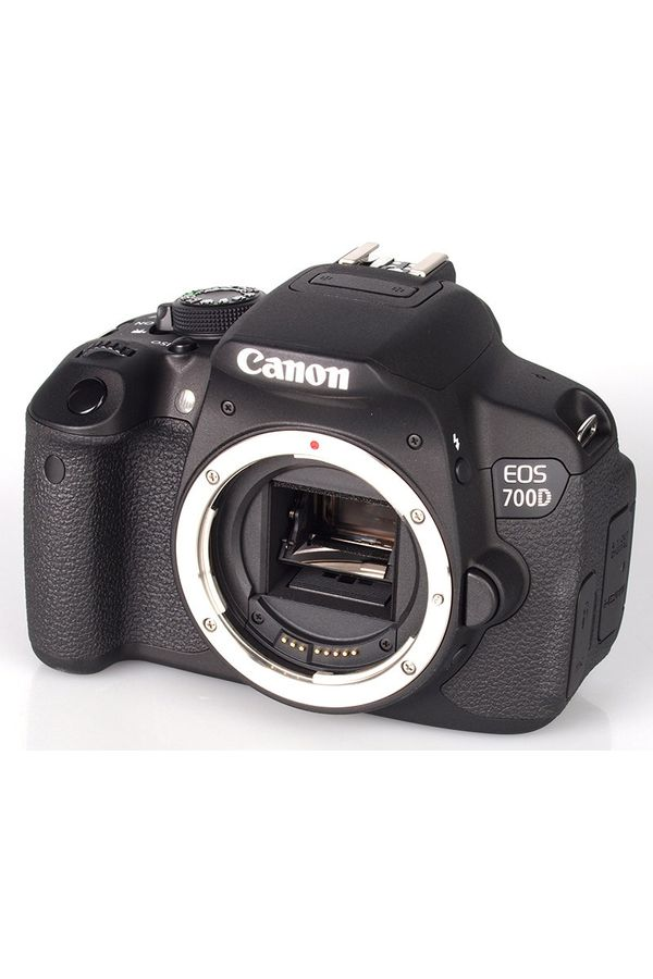 Canon EOS 700D DSLR Camera (Black, Body with EF-S 18-55 IS STM Kit)