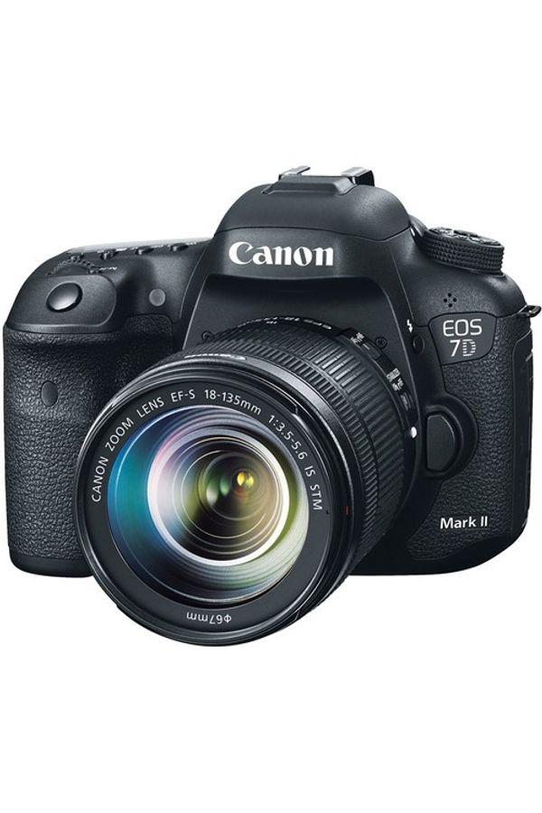 Canon EOS 7D Mark II Kit (EF-S18-135 mm f3.5-5.6 IS STM) DSLR Camera (Black)
