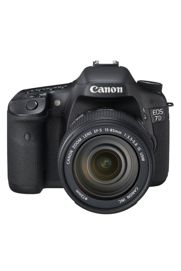 Canon EOS 7D Digital SLR Camera (Black) with EF-S 15-85 IS Lens