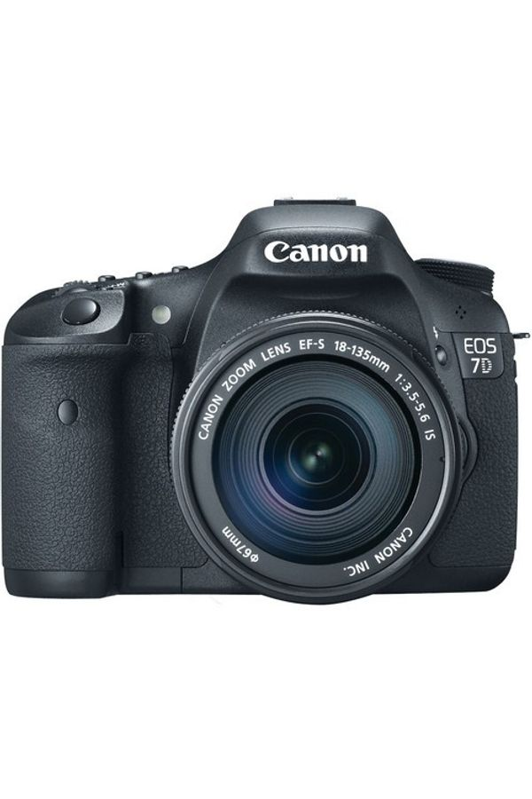 Canon EOS 7D DSLR Camera with 18-135mm Lens