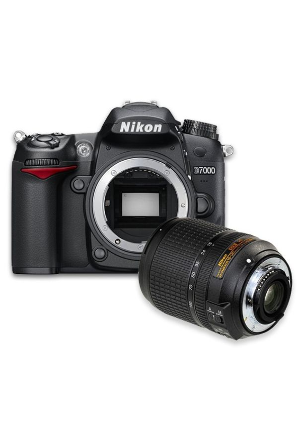 Nikon D7000 DSLR Camera (Black, Body with  AF-S DX NIKKOR 18-140mm  VR Lens)
