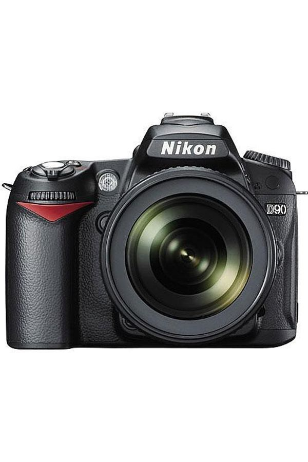 Nikon D90 DSLR Camera Kit with Nikon 18-105mm VR Lens